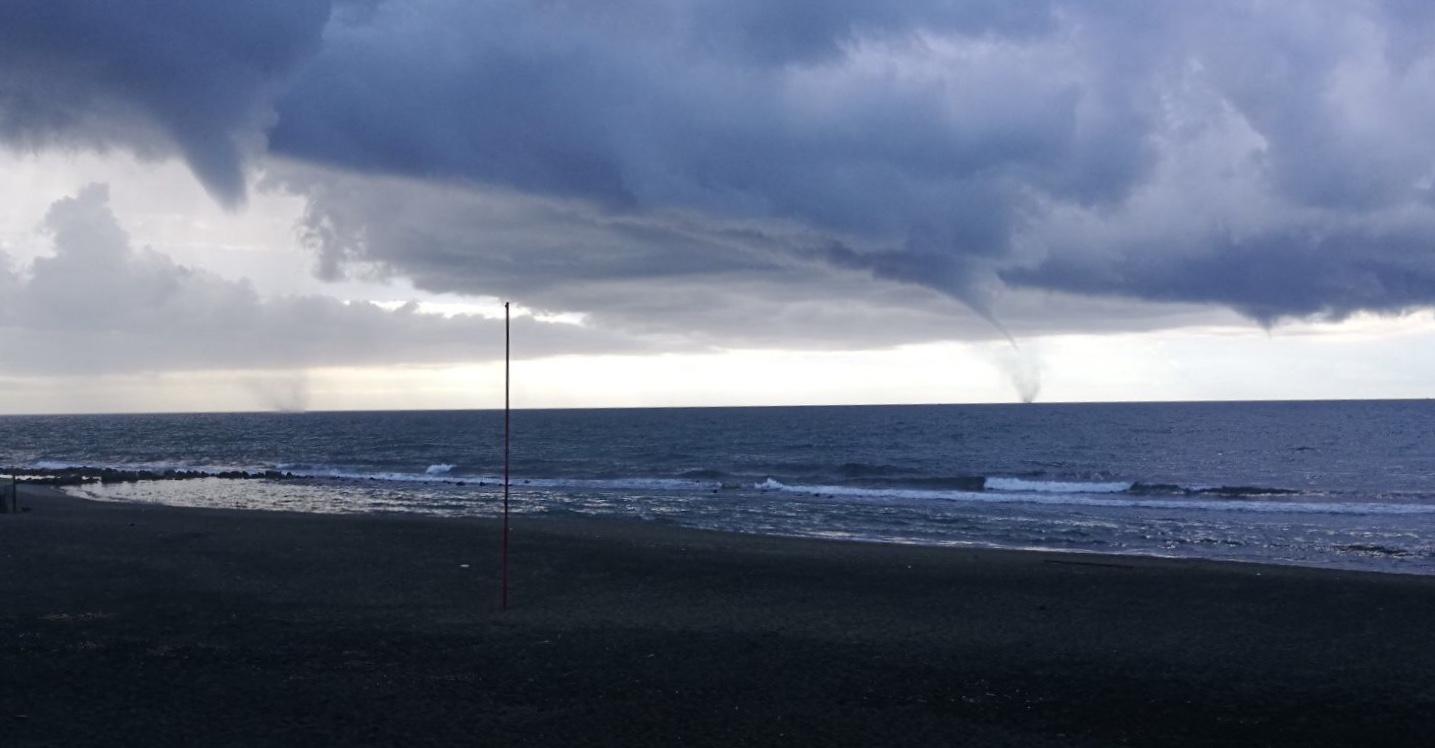 Trombe marine sul mare di Ostia
