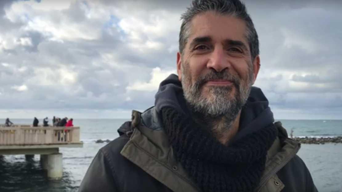 Ci pensa il mare a perdonare i nostri inverni, questo è Michele Gentile