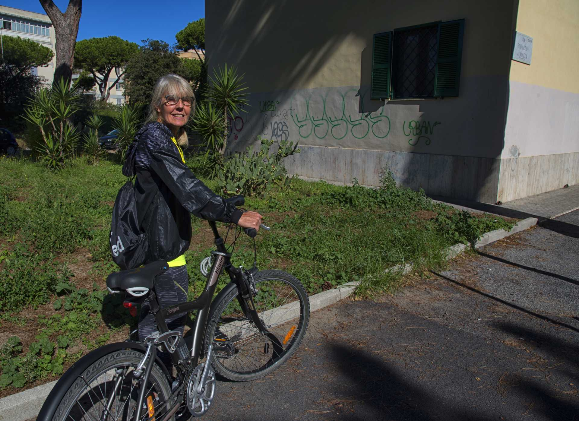 Una vita dolce: Patrizia ci racconta il piccolo mondo delle case dell'INA a Ostia