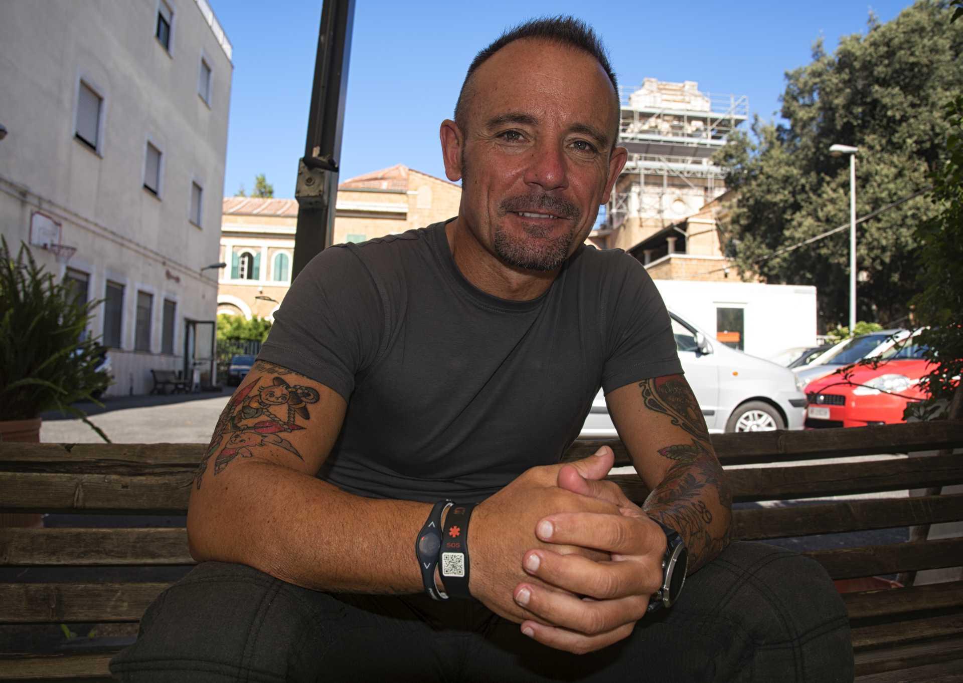 Stefano Fioretti, il Vigile del Fuoco di Ostia che ha salvato i tre bambini di Ischia