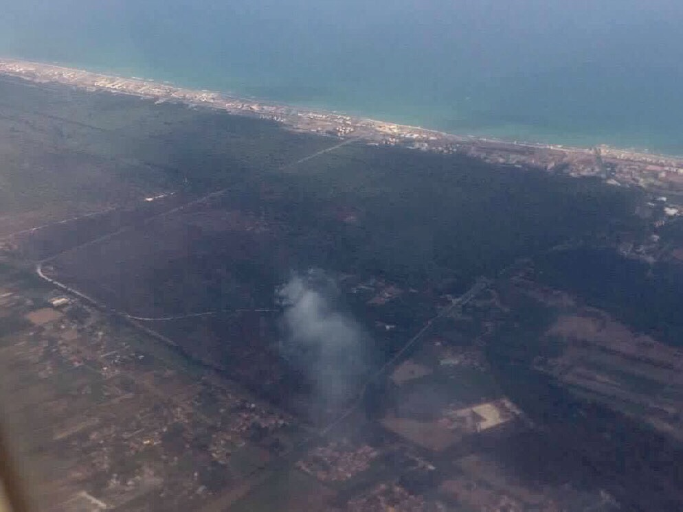 In esclusiva le foto aeree dell'incendio di oggi
