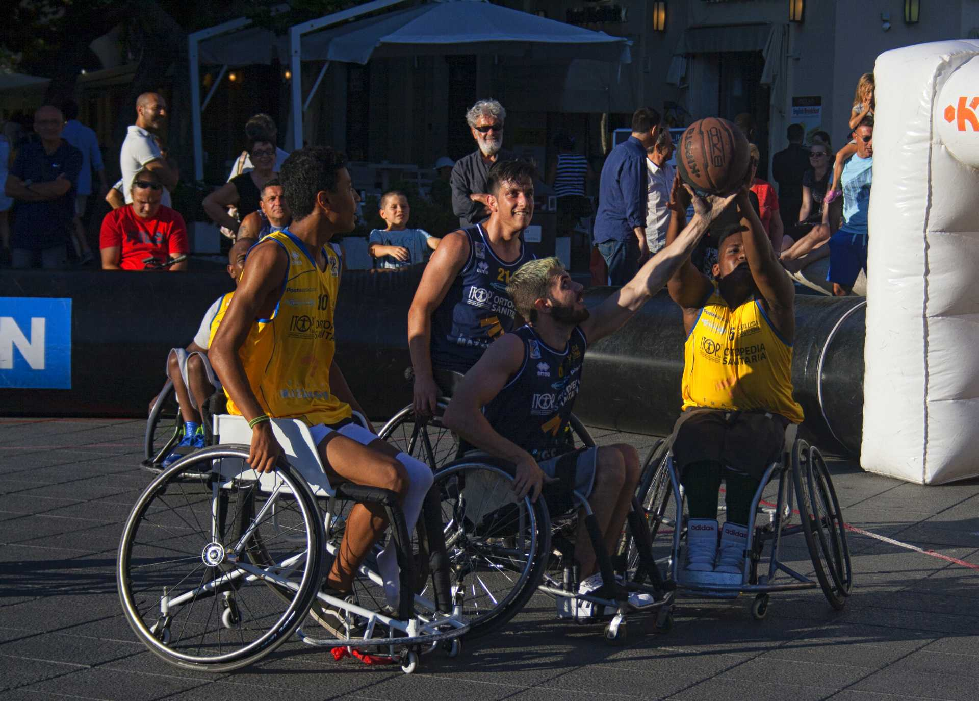 In.To. Rome, Togheter We Stand: Basketball and Wheelchair Basketball