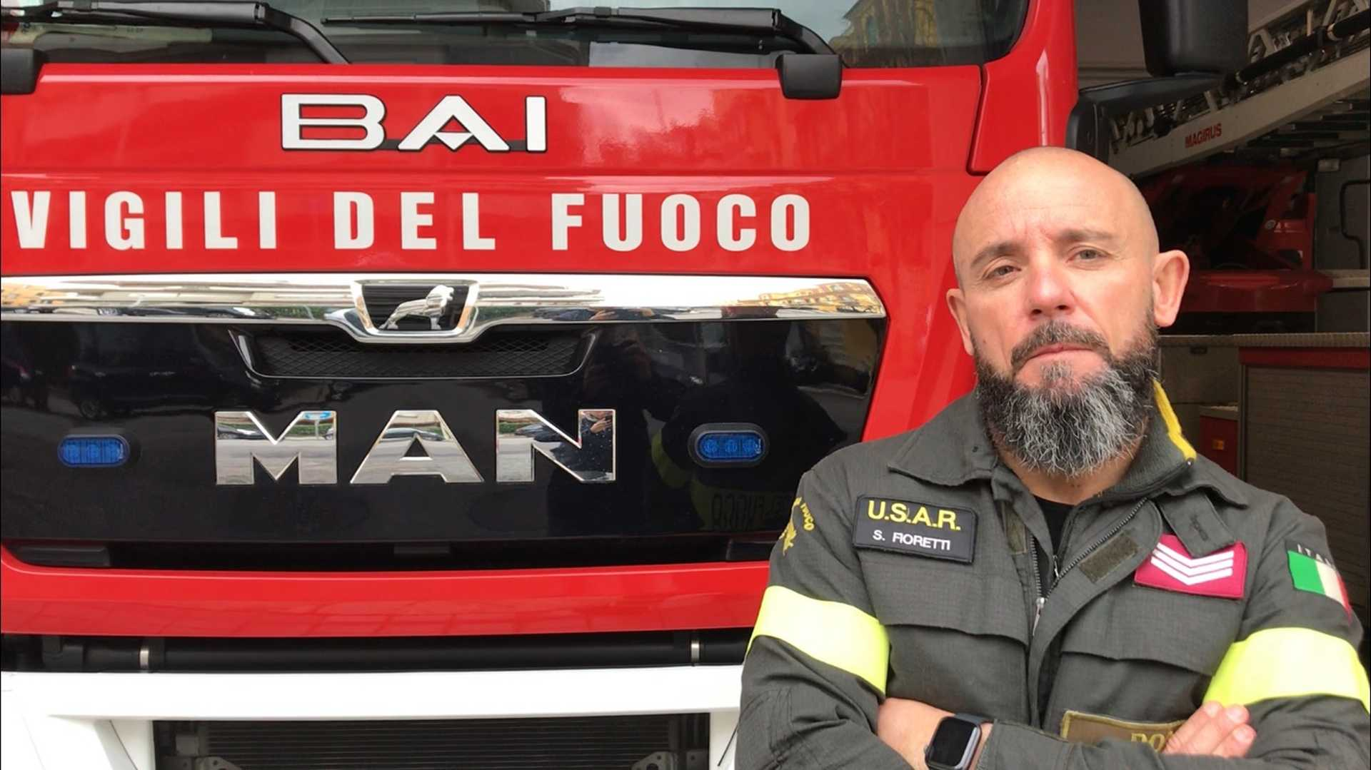 Stefano Fioretti, il vigile del fuoco al ritorno dal terremoto di Durazzo